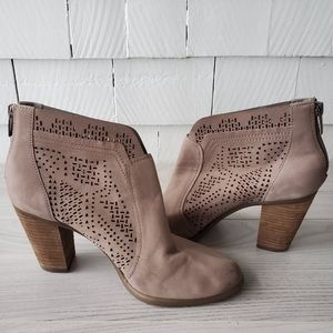 VINCE CAMUTO Frasitta laser cut bootie ankle